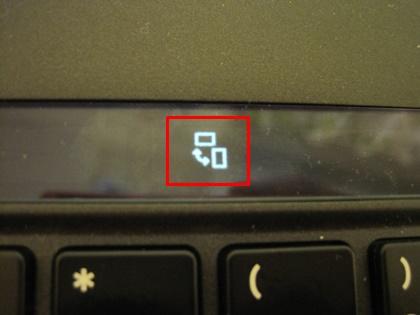新しいThinkPad X1 Carbon Adaptiveキーボード レイフラットモードで対面プレゼン