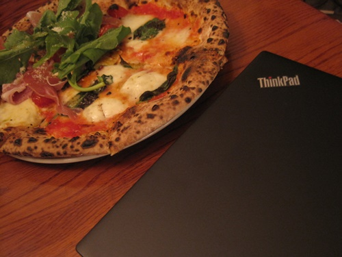ThinkPad X1 Carbon at Cafe5.JPG