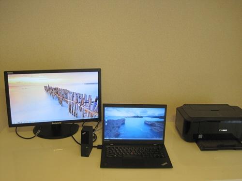 OneLinkプロドックとモニタと、新しいThinkPad X1 carbonで、かっこいい仕事環境