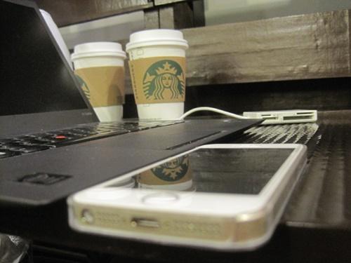 新しいThinkPad X1 Carbon があまりにも薄いのでXperia Z Ultra とiPhone並べてみた